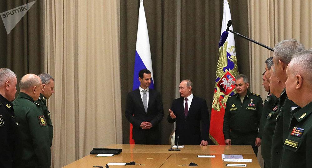 الرئيس بشار الأسد يلتقي بالجنرالات الروس الذين أنقذوا سوريا