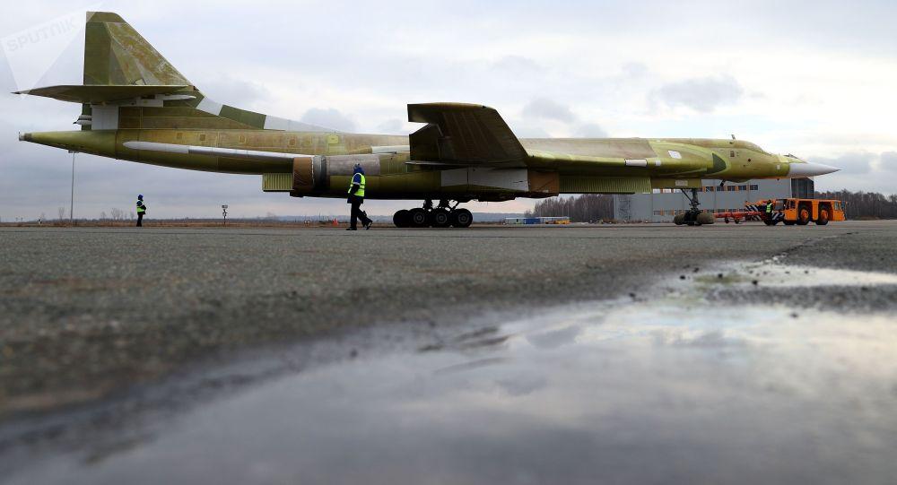 النموذج التجريبي لطائرة تو-160إم2