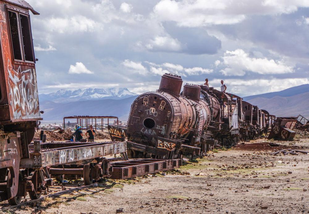 مسابقة التصوير التاريخي لهذا العام (Historic Photographer of the Year) - صورة بعنوان مقبرة القطارات، بوليفيا، للمصور باميلا جونز
