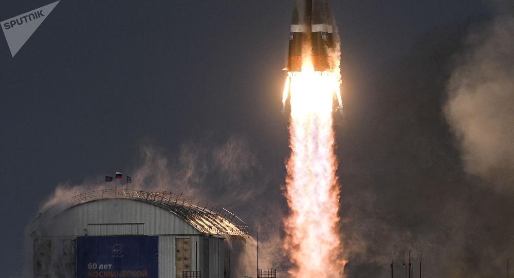 إطلاق حاملة صواريخ سويوز-2.16 مع جهاز فضائي ميتيور رقم2-1 من محطة فوستوتشني