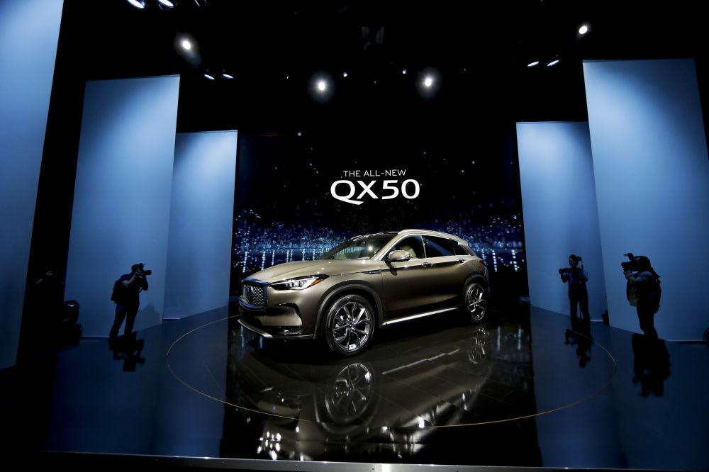 عرض السيارات لا أوتو شو 2017 في لوس أنجلوس - السيارة الجديدة Infiniti QX50، كاليفورنيا 29 نوفمبر/ تشرين الثاني 2017
