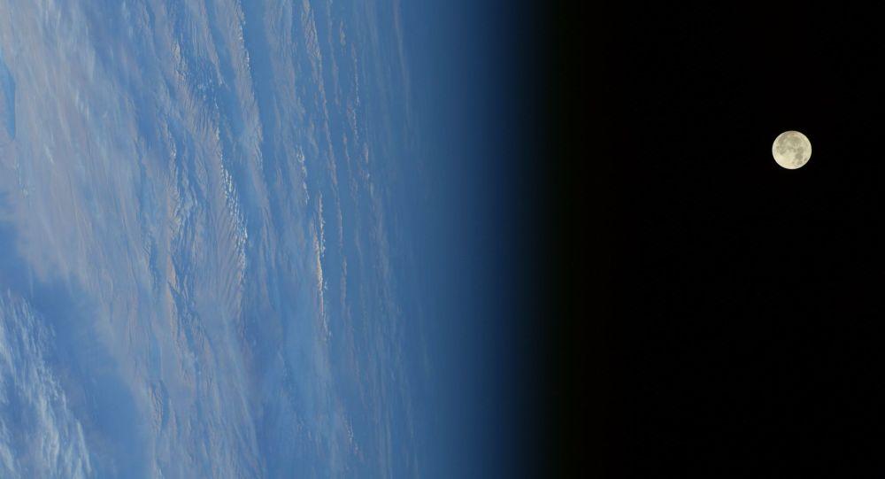 القمر العملاق في منغوليا 3 ديسمبر/ كانون الأول 2017