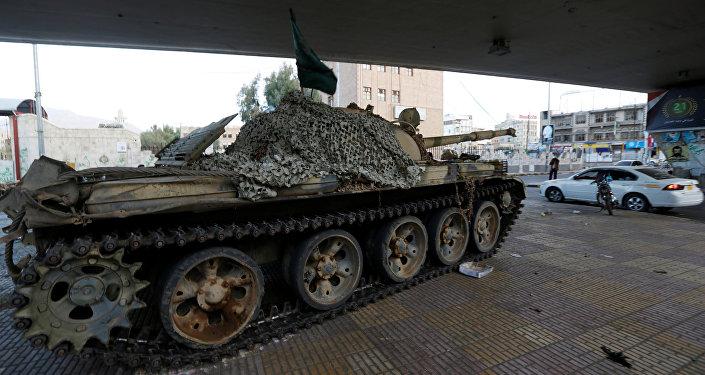 انتشار دبابات تابعة لقوات أنصار الله الحوثية في صنعاء، اليمن 4 ديسمبر/ كانون الأول 2017