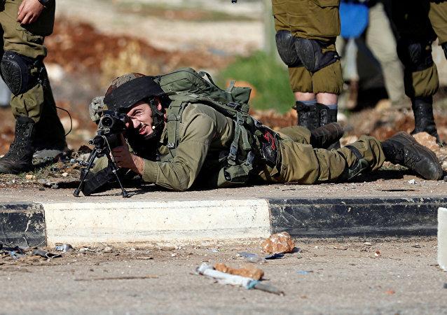 اشتباكات بين الشبان الفلسطينيين والشرطة الإسرائيلية في قرية قصره، الضفة الغربية، فلسطين 1 ديسمبر/ كانون الأول 2017