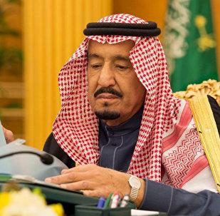 العاهل السعودي الملك سلمان بن عبدالعزيز خلال جسلة لمجلس الوزراء السعودي وأول تعليق بعد مقتل علي عبد الله صالح في الرياض، السعودية 5 ديسمبر/ كانون الأول 2017