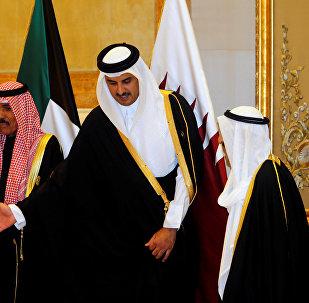 أمير قطر في القمة الخليجية