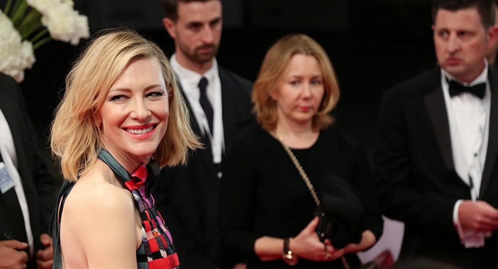 الممثلة الأسترالية كيت بلانشيت في افتتاح مهرجان دبي السينمائي الدولي الـ 14 في6 ديسمبر /كانون الأول 2017