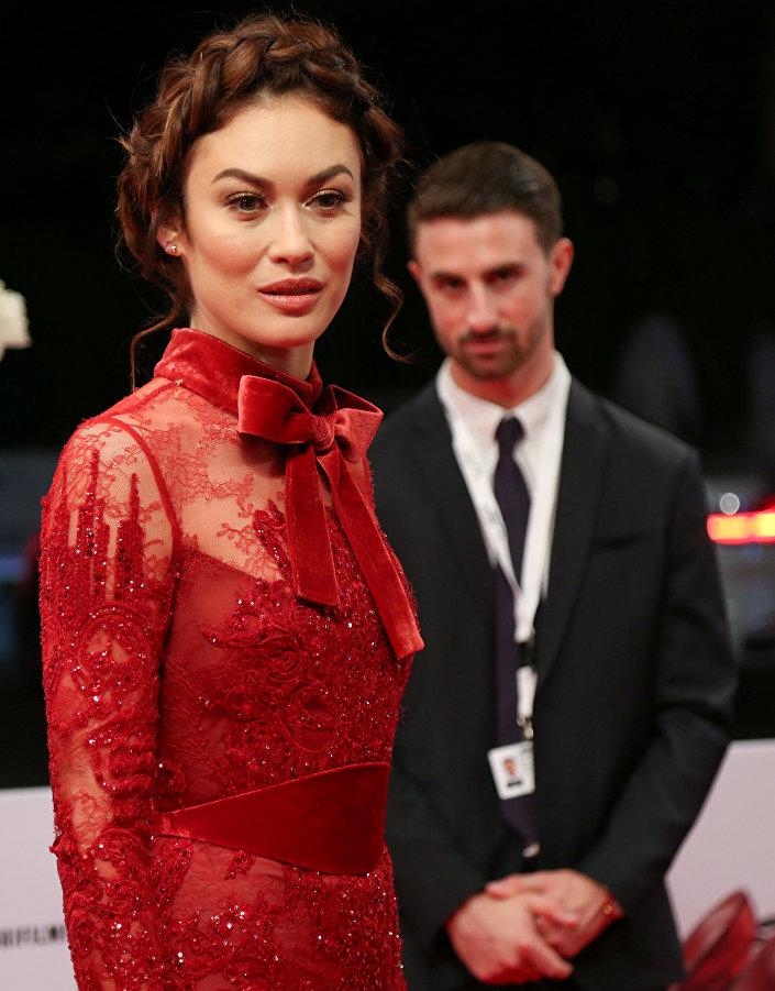 الممثلة العالمية أولغا كوريلنكو في افتتاح مهرجان دبي السينمائي الدولي الـ 14 في6 ديسمبر /كانون الأول 2017