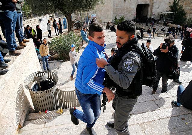 اشتباك بين الفلسطينيين والشرطة الإسرائيلية عند باب دمشق في القدس 7 ديسمبر/ كانون الأول 2017