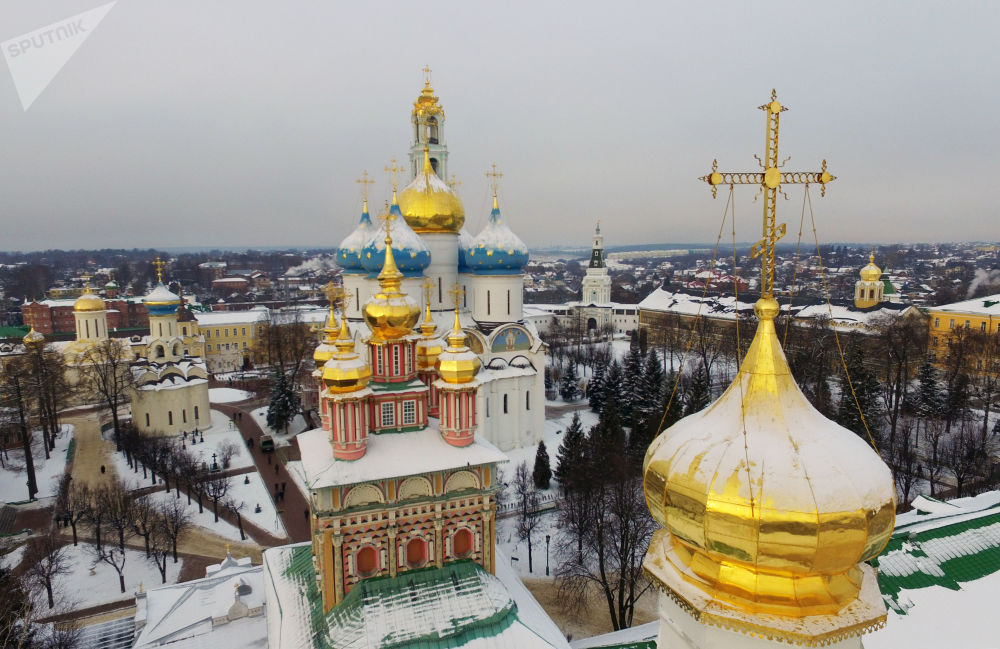 دير ترويتسا سيرغييف لافرا في مدينة سيرغييف بوساد في مقاطعة موسكو