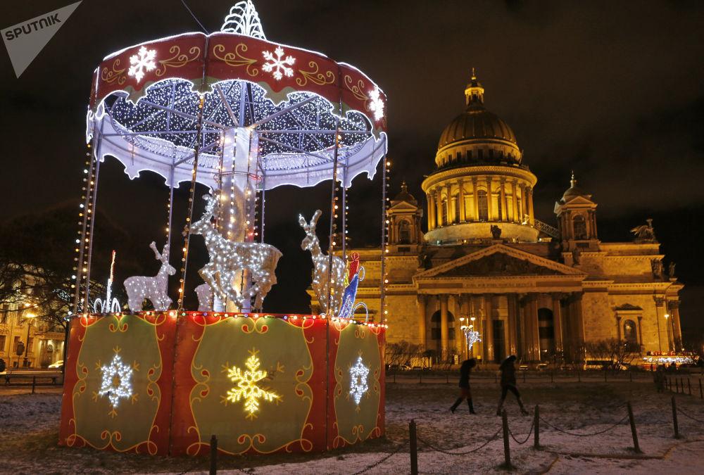كاتدرائية القديس اسحق في سان بطرسبورغ