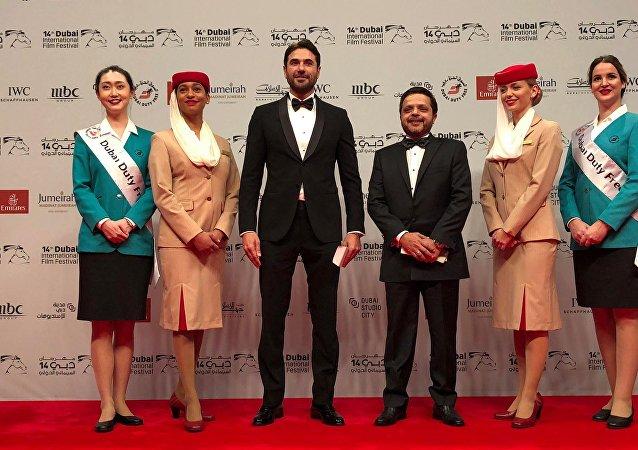 الممثلان المصريان محمد هنيدي وأحمد عز في حفل افتتاح مهرجان دبي السينمائي الدولي الـ 14 في 6 ديسمبر/كانون الأول 2017