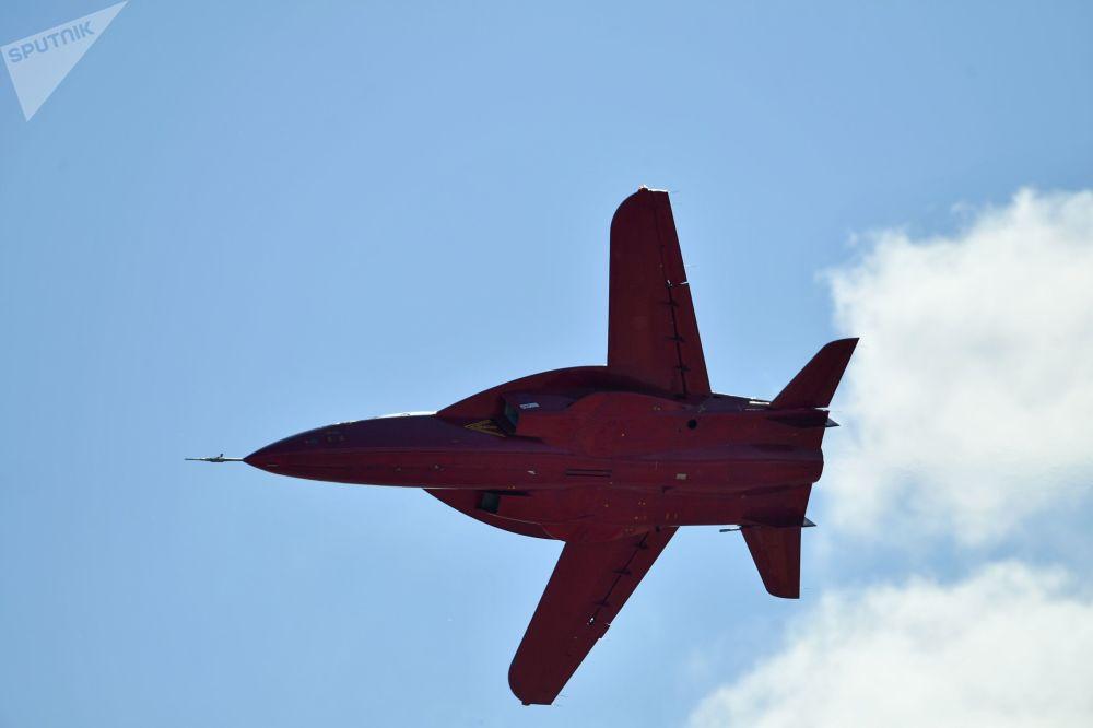 طائرة رياضية تدريبية إس أر-10
