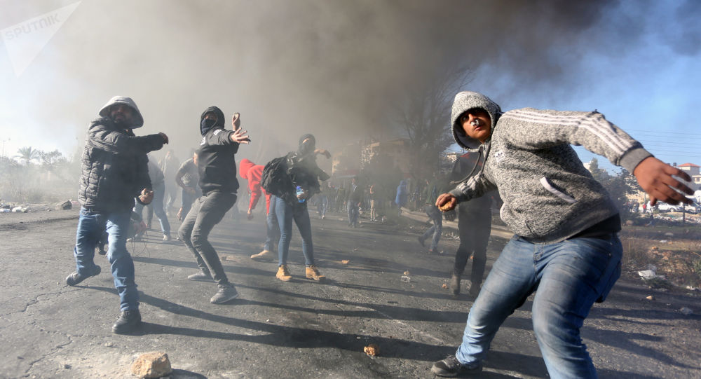 احتجاجات على قرار دونالد ترامب حول إعلان القدس عاصمة لإسرائيل في الضفة الغربية، فلسطين ديسمبر/ كانون الأول 2017