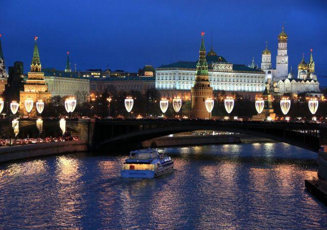 زينة أعياد رأس السنة والميلاد المجيد في موسكو