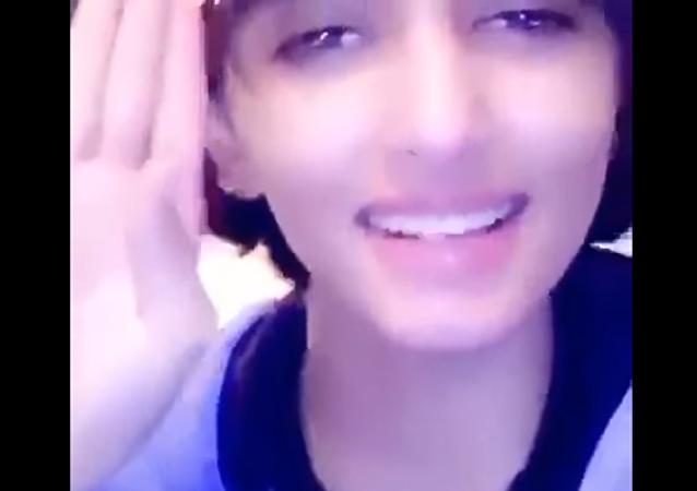 فتاة سعودية تحذر المواطنون المخالفون