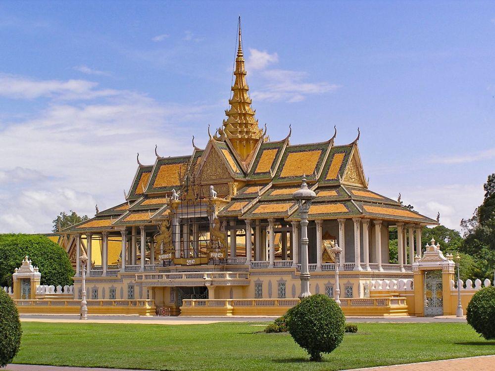 معبد في بنوم بنه، كمبوديا
