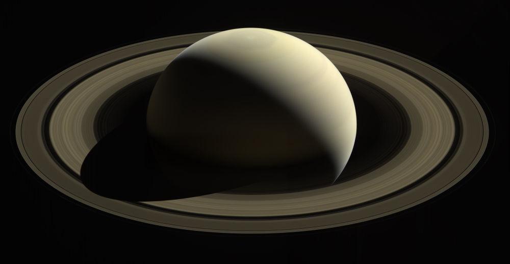 صورة لكوكب زحل التقطها جهاز كاسيني