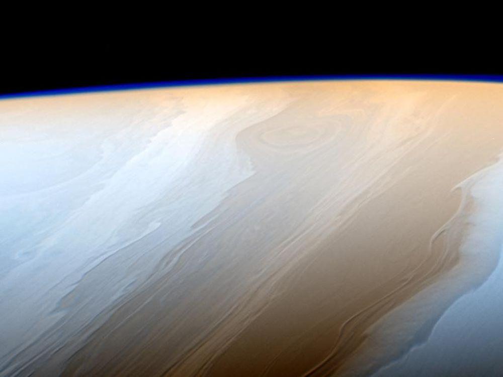 غيوم كوكب زحل