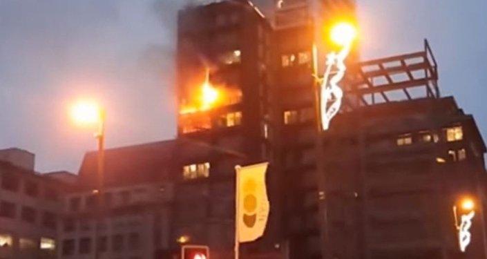 حريق في مركز تجاري