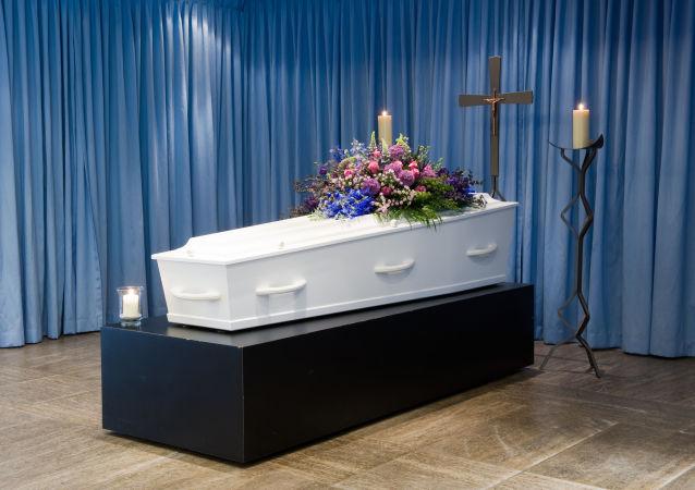 جنازة تتحول إلى حرب طاحنة