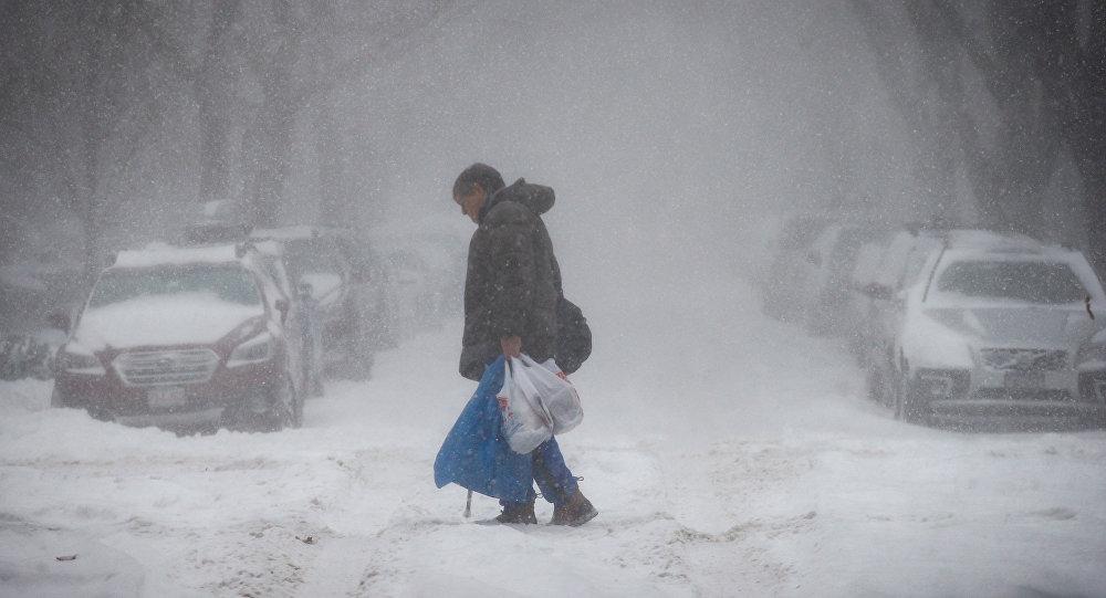 إعصار القنبلة الجليدي في أمريكا