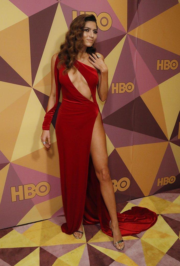 الممثلة بلانكا بلانكو في حفل غولدن غلوب
