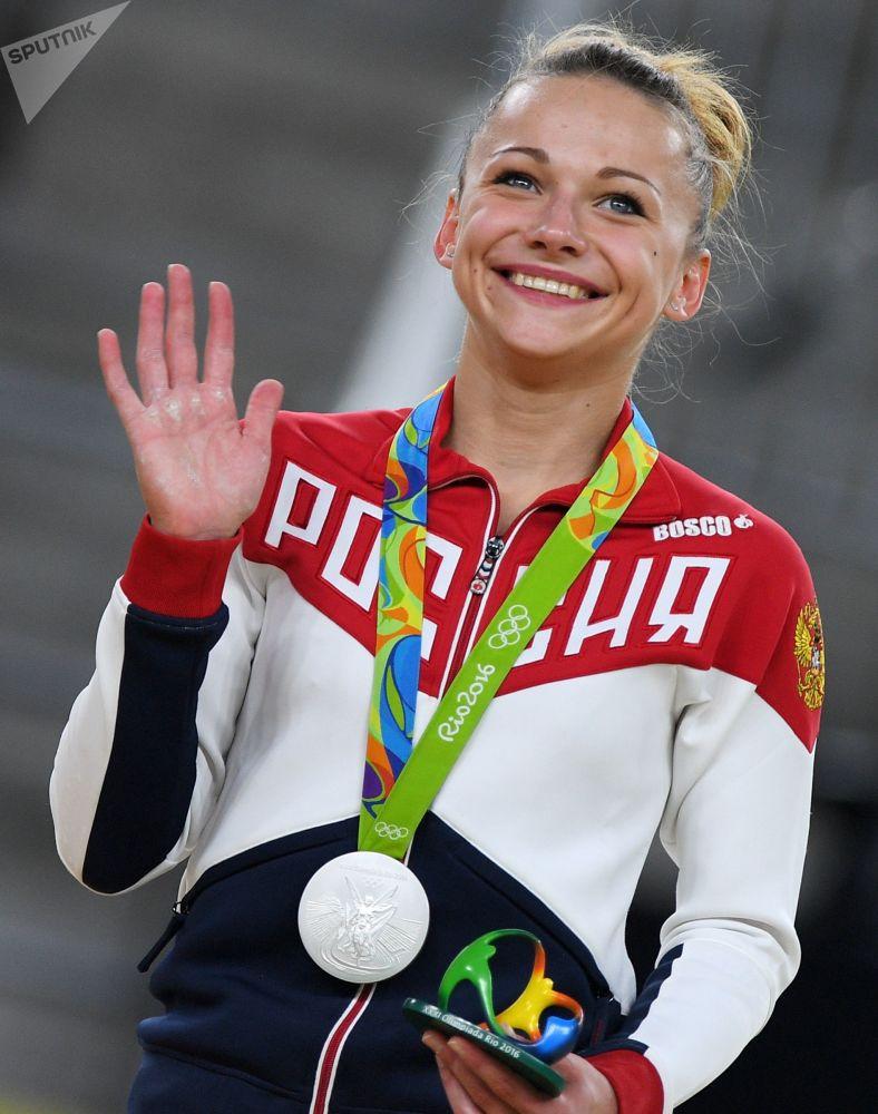 لاعبة الجمباز الروسية ماريا باسيكا
