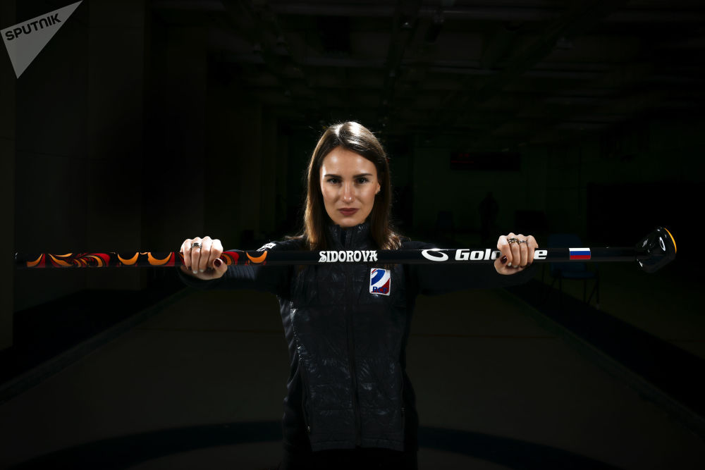 الرياضية (الكيرلنغ) الروسية آنا سيدوروفا