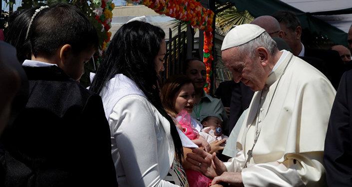 البابا فرنسيس في زيارته لتشيلي