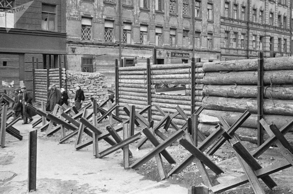 حواجز مضادة للدبابات في مدينة لينينغراد المحاصرة، أكتوبر/ تشرين الأول 1941