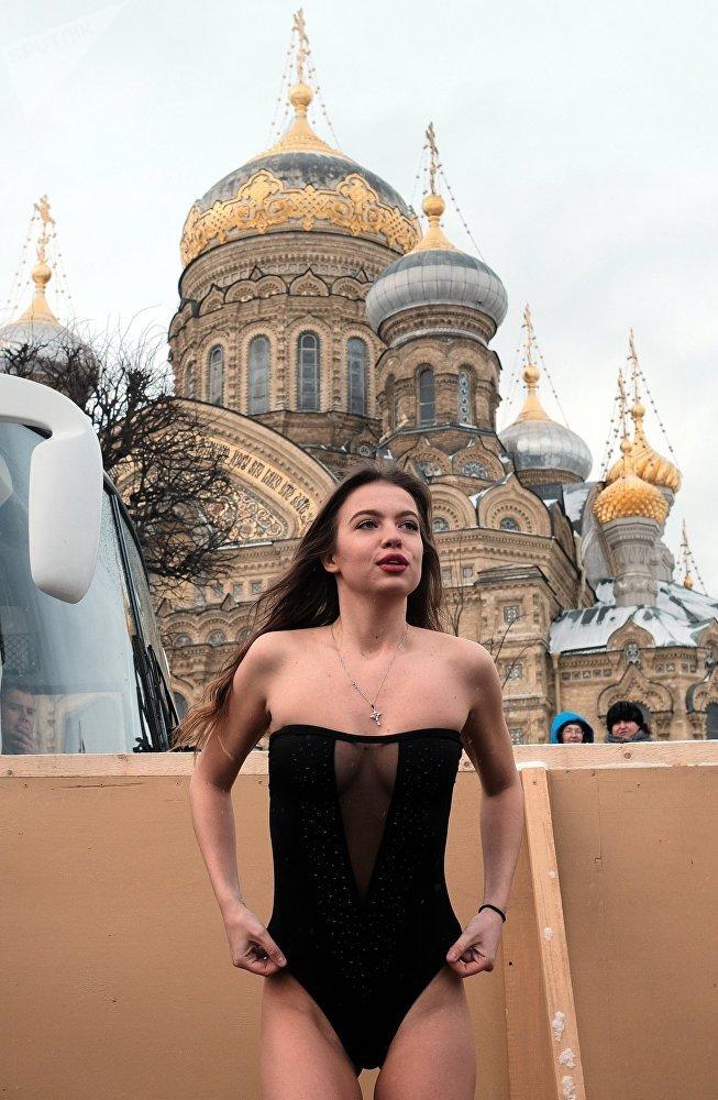 الاحتفال بعيد الغطاس في مختلف مدن روسيا - سان بطرسبورغ
