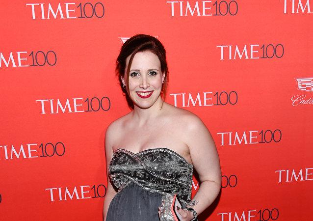 ديلان فارو ابنة المخرج السينمائي الشهير وودي آلن بالتبني الذي اتهمته بالتحرش
