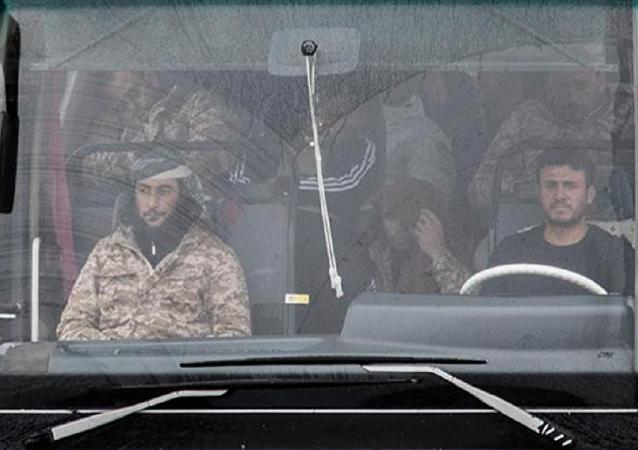 Suriye tarafına geçirilen ÖSO mensupları