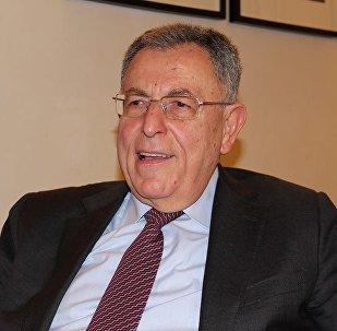 رئيس الوزراء الأسبق فؤاد السنيورة