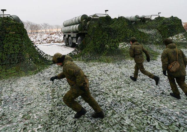 منظومات صواريخ مضادة للطائرات من طراز إس-400 في منطقة بريمورسكي كراي، روسيا