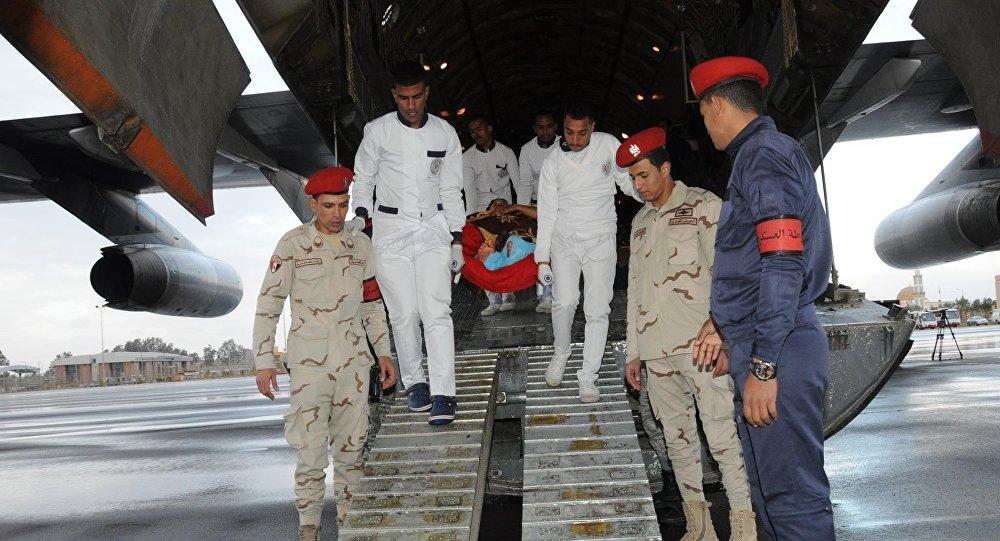 مصر تستقبل مصابي العملية الإرهابية في بنغازي للعلاج بمستشفيات الجيش (صور) 1029499265