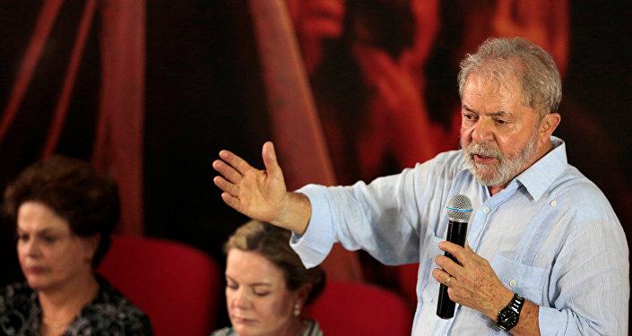 الرئيس البرازيلي لولا دا سيلفا يتحدث في لقاء، 26 يناير/ كانون الثاني 2018