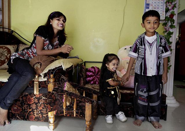 الهندية جيوتى أمجى، أقصر امرأة فى العالم