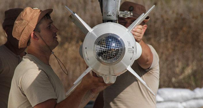 صاروخ روسي على متن طائرة حربية