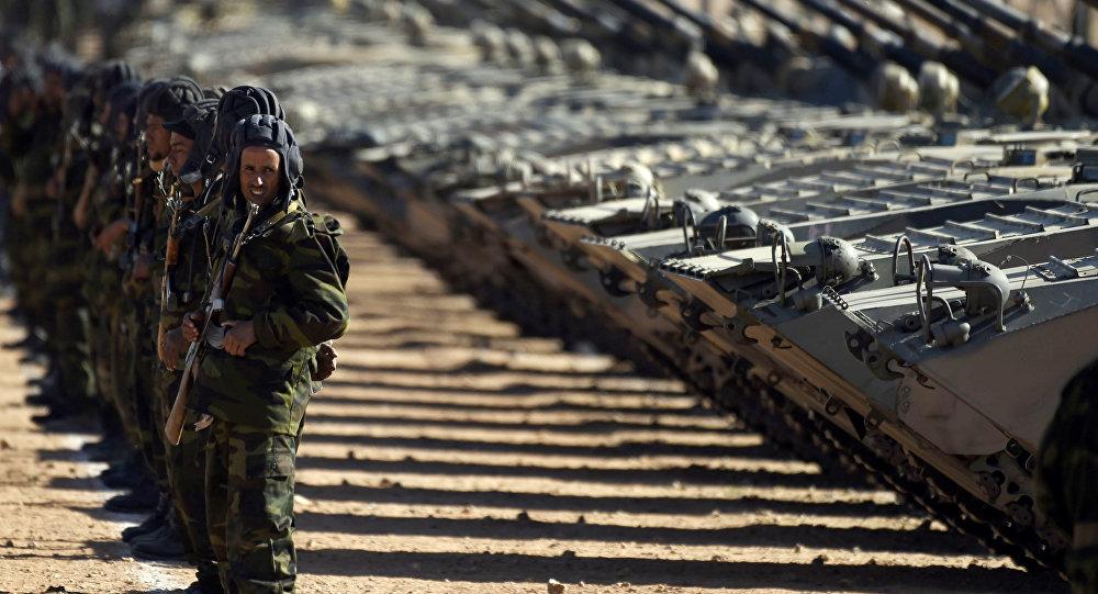 قوات البوليساريو في عرض عسكري