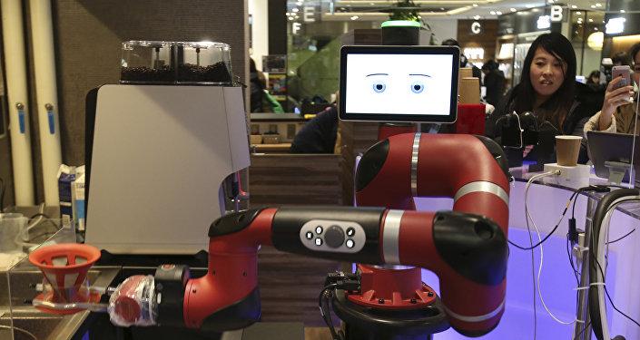 أول روبوت في الياباني يعد القهوة