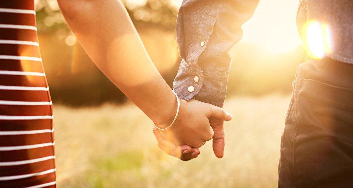 5 نصائح أساسية من أجل علاقة عاطفية ناجحة مع رجل في الـ40