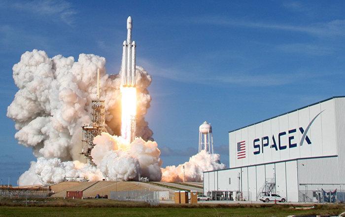 سبيس إكس تطلق قمرا صناعيا عسكريا لكوريا الجنوبية إلى المدار… فيديو