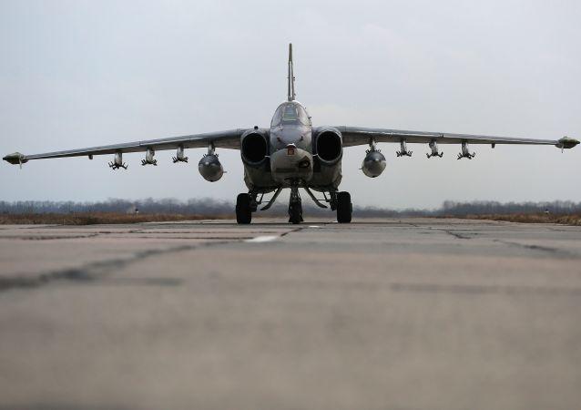مقاتل قاذفة من طراز سو-25