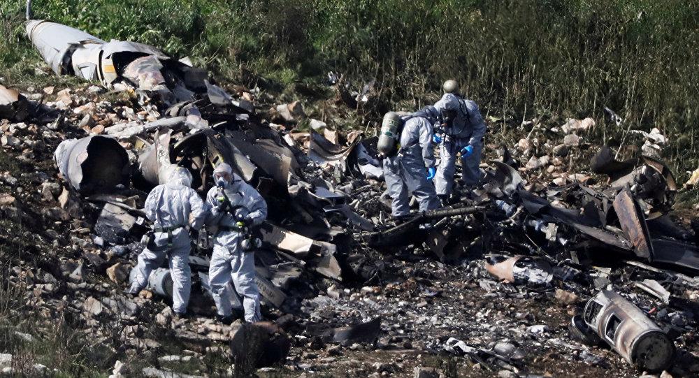 حطام الطائرة الإسرائيلية التي أسقطها الجيش السوري