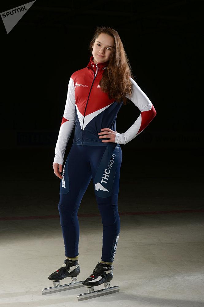 الروسية صوفيا بروسفيرنوفا (التزلج على مسار قصير في التزلج السريع على الجليد)