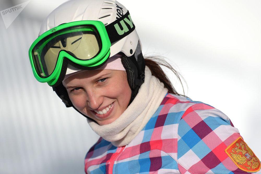 الروسية نتاليا سوبوليفا (رياضة التزلج على الثلوج باستخدام المزلاجه الأحادية)