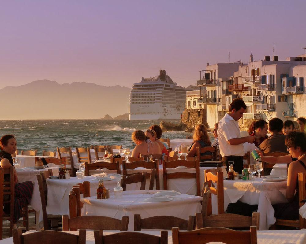 جزيرة ميكونوس، اليونان