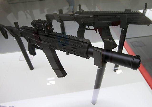 رشاش أ إم بي-17